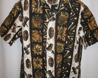vintage circa 6os, Ui Maikai tiki gods pineapple spears tapa cloth coin button Hawaiian shirt mens size L