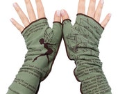ON SALE: Peter Pan Writing Gloves