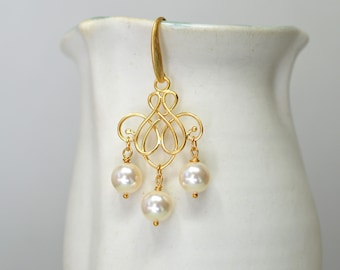 Swirl earrings Gold filigree earrings Ivory pearl bead dangle earrings Gold chandelier earrings Pearl drop earrings Summer fashion jewelry