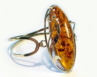 Natural Baltic cognac amber bracelet.