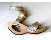 TRIPPEN  clogs gold leather and wood fr40 us 8.5 ARTY