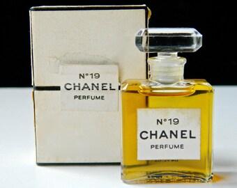 Vintage CHANEL No 19 Pure Perfume .25 oz (7.5 ml) Crystal Stopper Original Box Fabulous