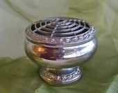 IANTHE  Silver Plated Metal Flower Vase With Frog Lid