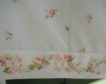 Vintage Bed Sheet, Pink with Clusters of Roses, Rose Garland Cuff, Cottage Chic, Shabby Cottage, Single Flat Sheet, Queen Size