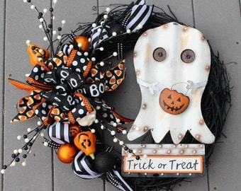 Ghosts wreath etsy for Bah humbug door decoration