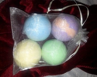 Bath bomb gift set, set of 4 bath bombs gift, Valentine, wedding,  Christmas,  birthday,  spa relaxation gift, bubbling