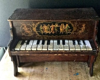 Antique Schoenhut Toy Piano, Tabletop Piano, Miniature Piano, Vintage Schoenhut, Toy Pianos Vintage, Sample Piano, Old Toy Pianos