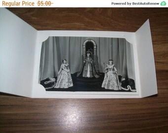 Portrait figures - Arundel Castle - real photo, souvenir