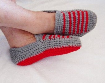 Handmade slippers, crochet slippers, for him and her, warm accessories, yarn shoes, men slippers, cozy, warm, men knits, knit slippers.
