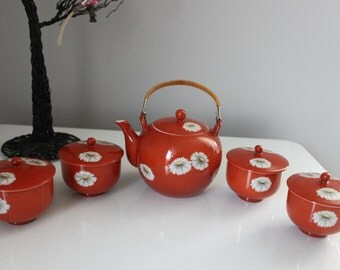 Vintage Orange and White Daisy Chinese Porcelain Tea Set, Tea Pot and 4 Tea Cups with Lids