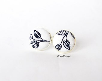Black and White leaf stud earring / Tiny earrings / Small jewelry / nature botanical