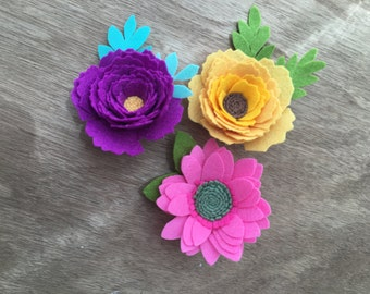 Felt flower brooch.  Peony.  Sunflower.