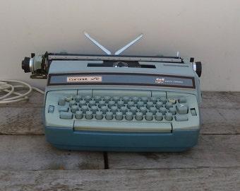 Vintage Blue Electric Smith Corona Typeweriter Coronet