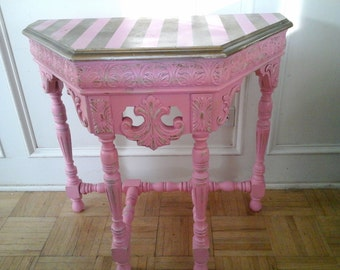 vintage pink and gold table with stripes!