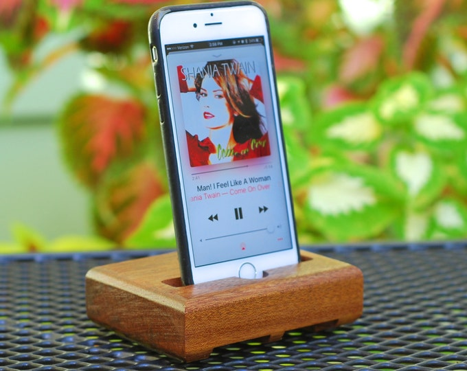 The EICHLER Dock in Mahogany – Fits all iPhone Models  - Leave your Case on -- Boosts the Sound