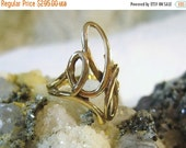 ON SALE Solid 14 Kt Gold Ring Freeform Size 7 1/4