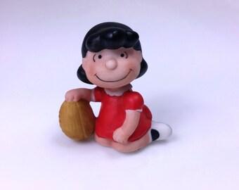 Vintage Peanuts Gang LUCY VAN PELT w/ Football Porcelain Figurine Charlie Brown, by Willitts
