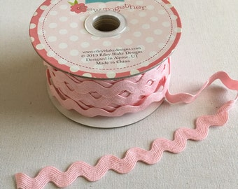 """Riley Blake Sew Together Notions 3/4"""" Ric Rack STR-75 in Baby Pink by the Yard"""