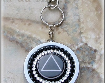 Silver Metal Alcoholics Anonymous AA Recovery Swarovski Clear Black Rhinestone Key Chain 3 Compartment Pill Box Container Holder Medication