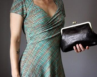 Classic black leather clutch,  leather clutch, Kiss Lock Clutch, Black Evening Clutch, Retro Style Clutch, frame clutch purse bag, grainy