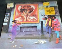 Vintage Vinyl Record Aretha Franklin: Who's Zoomin Who Album AL-8-8286