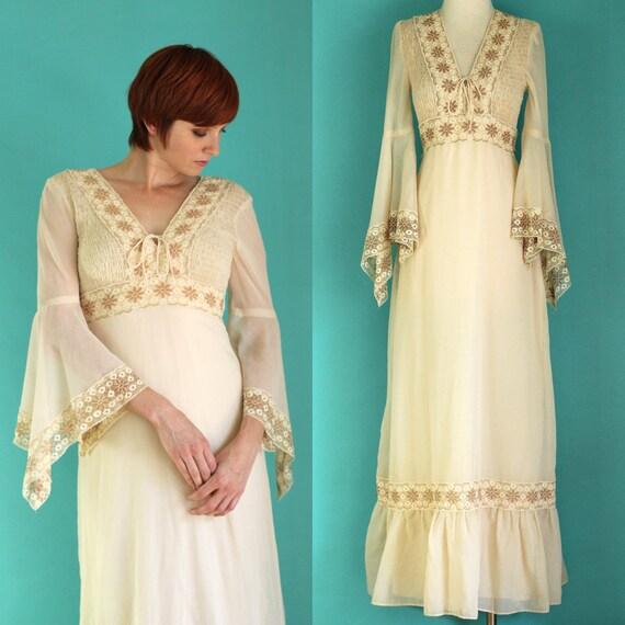Vintage Wedding Dresses With Bell Sleeves: Vintage 70s Bell Sleeve Dress Angel Sleeve Dress Ivory