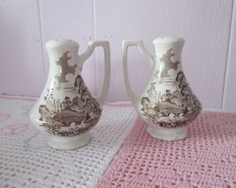 Royal Romantic England all salt / pepper shakers