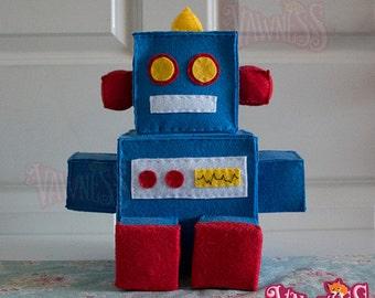 Retro Robot 'V' Large