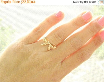 Sale - Bow ring - Bow gold ring - Best friends ring - Forget me knot ring, (7.5)