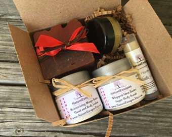 French Vanilla Spa Gift Set, Birthday Gift Bath Set, Soap Gift Set with Soap, Lotion, Body Scrub, Solid Perfume and Lip Balm