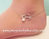 Little anchor anklet with freshwater pearl