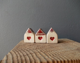 Small HOUSE set with Heart / Small Ceramic Houses with Red Roof / Rustic Beach Decor / Birthday favor / Wedding favor / Home Decor