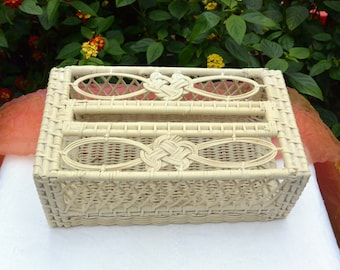 SALE!! Wicker Tissue Holder - White, Decorative Design. Bath & Other Room - Vintage - Fabulous!