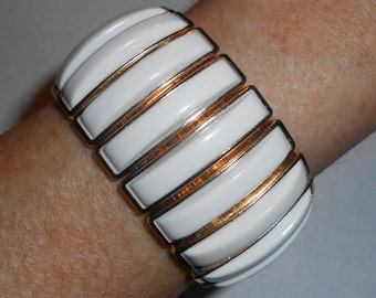 Vintage ARPEGGIO Gold Tone Accent White Thermoset Plastic Inlay Expansion Bracelet
