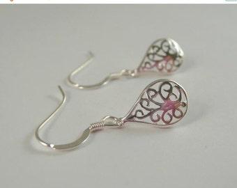ON SALE Sterling Silver Filigree Earrings, Sterling Silver Filigree Drop Earrings, Filigree Earrings, Sterling silver earrings,