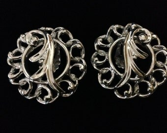 """Vintage 1960's Sarah Coventry """"Fancy Free"""" Silvertone Clip-on Earrings (Tier 1)"""