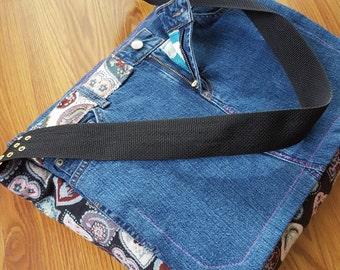 I Heart Blue Jeans Messenger Bag