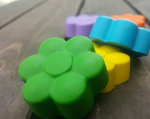 Daisy Flower Crayons set of 5 - flower crayons - Spring Crayons - Easter Crayons