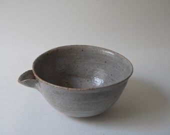 Crackle Gray Bowl with Spout