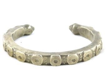 Old, antique silver Yemenite Bedouin Cuff Bracelet. Free shipping worldwide!