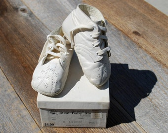 Mrs. Day's Ideal Baby Shoes, white, vintage shoes