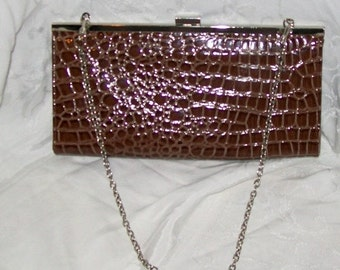 Retro clutch purse - patent leather - aligator print - 80s handbags - brown - thin - womens accessories - evening bags