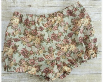 Floral Baby Bloomers - Baby Girl Bloomers - Baby girls birthday bloomers - Baby girl diaper covers - baby girl shower gifts - Floral vintage