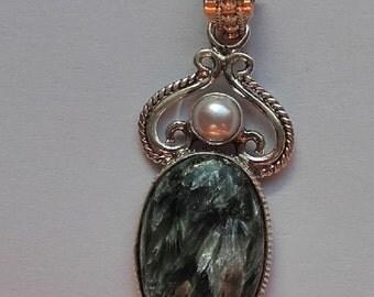 hand made semi precious green Seraphinite and sterling silver pendant necklace