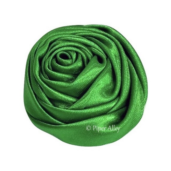 Emerald green satin rolled roses small to medium size for Emerald satin paint