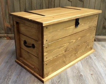 Handmade Solid Rustic Pine Trunk/Coffee Table. Boot/ Toy Box. Linen Chest