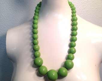 Vintage 24-Inch Large Lime Green Graduated Plastic Beaded Necklace - Retro Jewelry ca. 1970's Boho Hipster