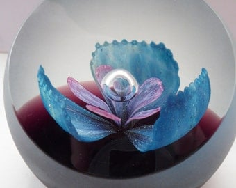 Fabulous LIMITED EDITION Scottish Caithness Glass Paperweight: Renaissance by Colin Terris