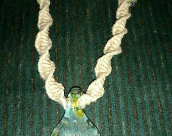 Macramé hemp necklace with glass pendant