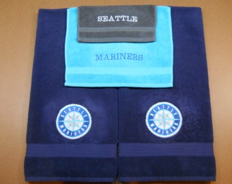Stay true to the Blue with this Mariners towel set.